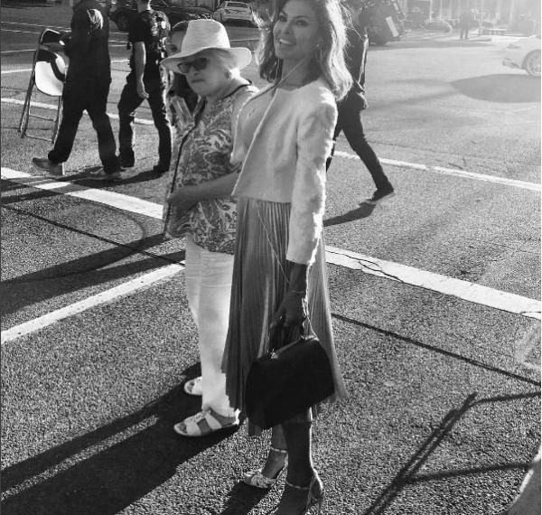 Ева Мендес опубликовала фотографию своей мамы