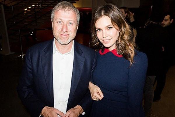 Наталья Штурм намекнула на очередной роман Абрамовича