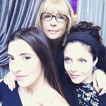 Дочери Веры Глаголевой написали трогательные слова о своей матери