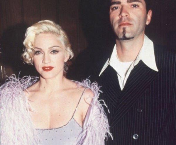 Брат Мадонны рассказал о невыносимом характере певицы