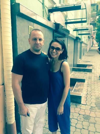 Мила Кунис и Эштон Катчер удивили своим поведением жителей Черновцов