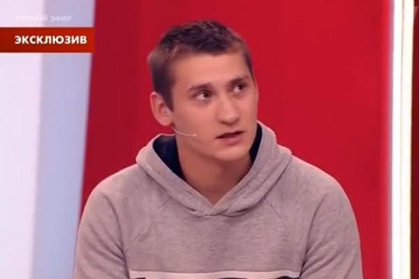 Актер сериала «Интерны» встретился с отцом погибшего Стаса Думкина