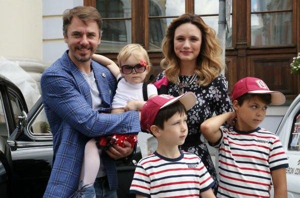 Игорь Петренко часто ругается со своей супругой