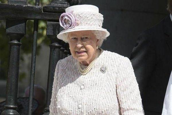 Инсайдер сообщил, кто возьмет на себя правление страной после Елизаветы II