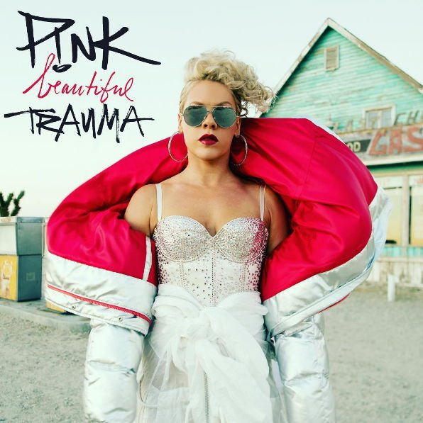 Пинк предстала в непривычном образе на обложке нового альбома