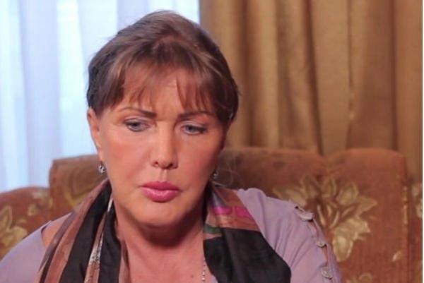 Елена Проклова до сих пор не может забыть, что старшая дочь отказалась с ней жить