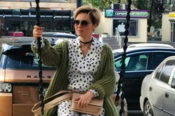 Елена Ксенофонтова отправилась с детьми за границу
