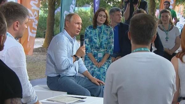 Владимир Путин пообещал сняться в рекламе одежды