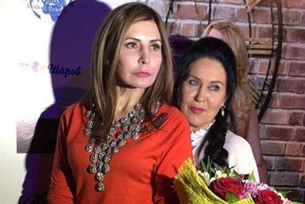 Ирина Агибалова празднует победу над Татьяной Африкантовой