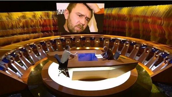 В Сети активно обсуждают конфликт между Владимиром Познером и Сергеем Шнуровым