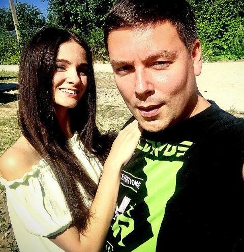 Андрей Чуев заставляет избранницу родить
