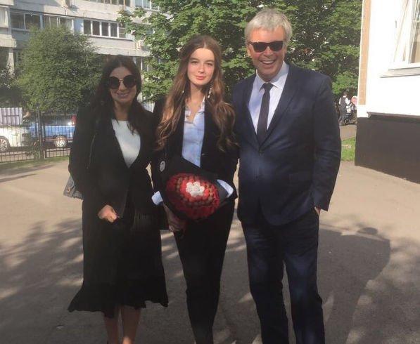 Родители Саши Стриженовой запретили ей идти по их стопам