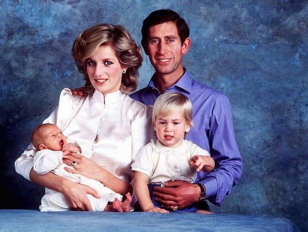 Синди Кроуфорд разместила ранее неопубликованное фото с принцессой Дианой