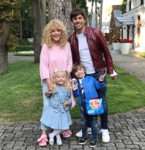 Максим Галкин рассказал о соперничестве Гарри и Лизы