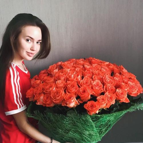 Модель Анастасия Костенко потеряла голос