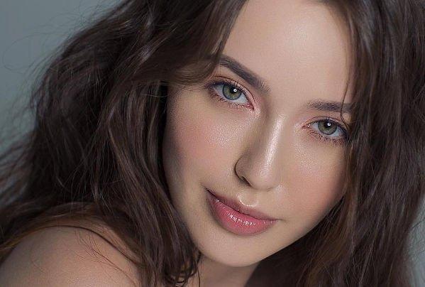 Анастасию Костенко раскритиковали за фото без макияжа