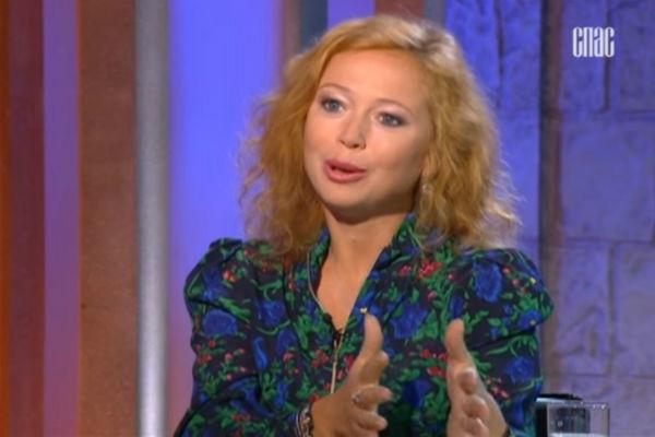 Елена Захарова рассказала, как справилась со смертью восьмимесячной дочери