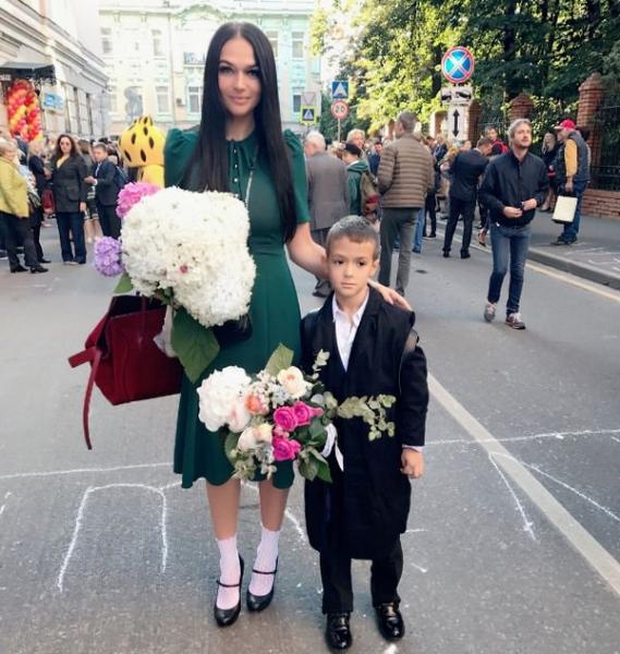 Алена Водонаева призналась в ненависти к школе