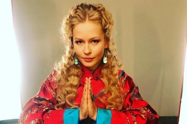 Юлия Пересильд решила пресечь распространение слухов о ее личной жизни