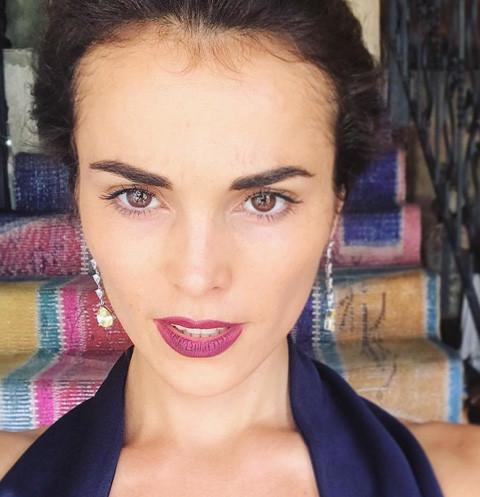 Сати Казанова показала роскошный свадебный наряд