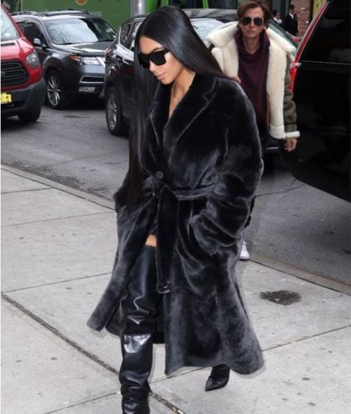 Памела Андерсон возмутилась тем, что Ким Кардашьян носит натуральные меха