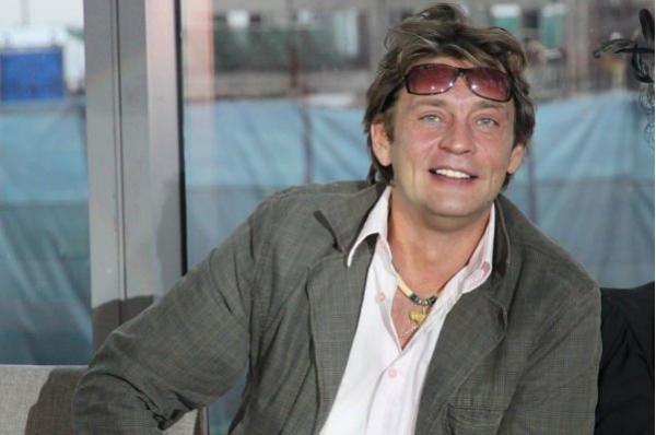 Александр Домогаров пожаловался на то, что сын не навещает его