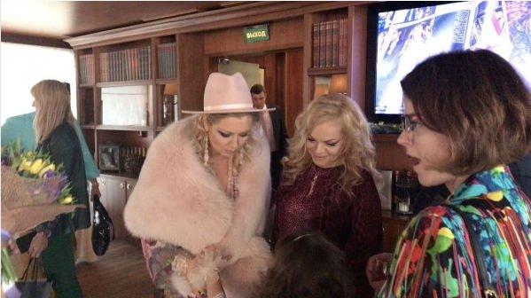 Знаменитости собрались на закрытой вечеринке Ларисы Долиной