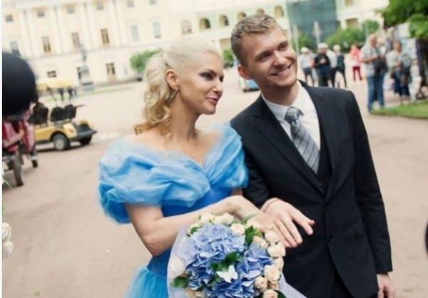 Муж Татьяны Лариной скрылся с процедуры расторжения брака