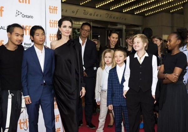 Брэда Питта не устраивают методы воспитания Анджелины Джоли