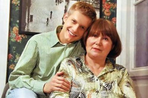 Почему Борис Кочевников до сих пор живет с мамой?