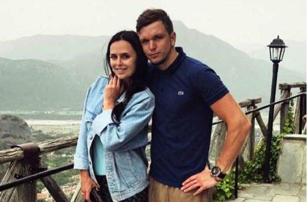 Виктория Романец и Антон Гусев тайно поженились