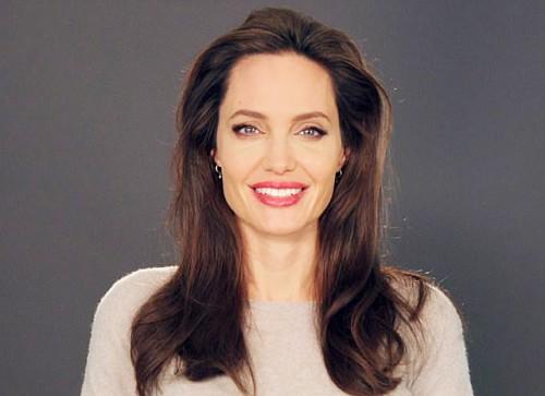 Анджелина Джоли страдает от одиночества