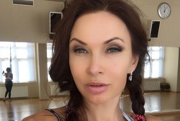 Эвелина Бледанс до сих пор переживает из-за развода