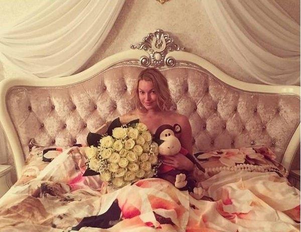 Анастасия Волочкова жестко отреагировала на критику одной из подписчиц
