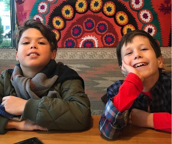 Екатерина Климова поделилась снимками подросших сыновей