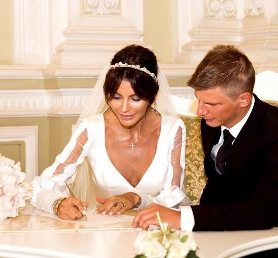 Жена Андрея Аршавина вспомнила, как ушла от мужа из-за бурного романа