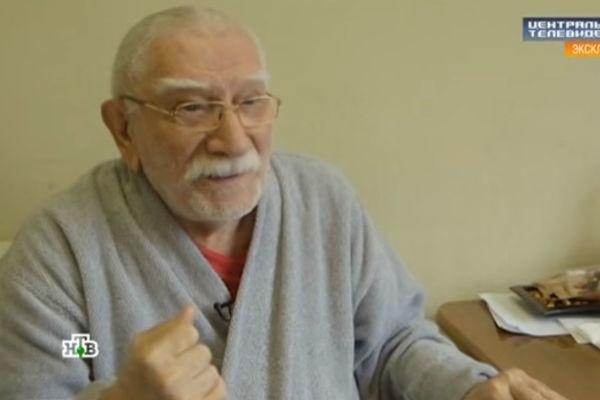 Армен Джигарханян не желал иметь детей от молодой жены