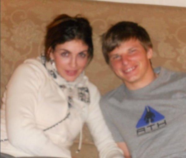 Жена Андрея Аршавина поделилась архивным семейным снимком