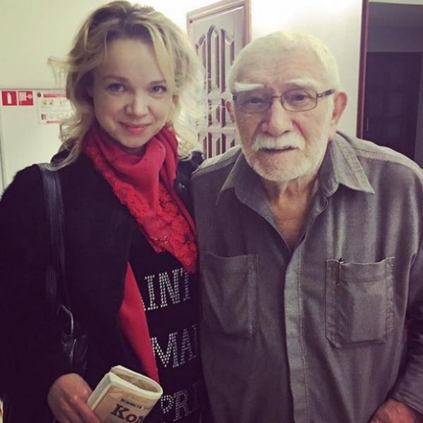 Жена Армена Джигарханяна заявила о рейдерском захвате театра