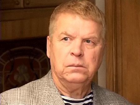 Михаил Кокшенов попал в больницу с инсультом