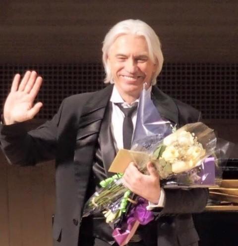 Дмитрий Хворостовский сердечно поблагодарил поклонников за поддержку
