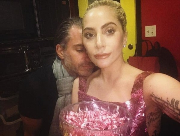 Леди Гага впервые поделилась совместным снимком с новым бойфрендом