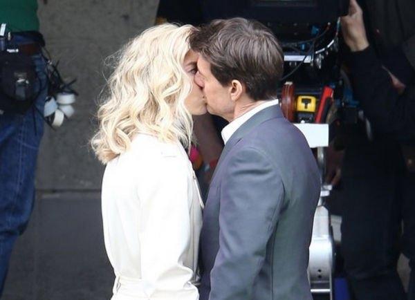 Том Круз собирается сделать предложение новой возлюбленной