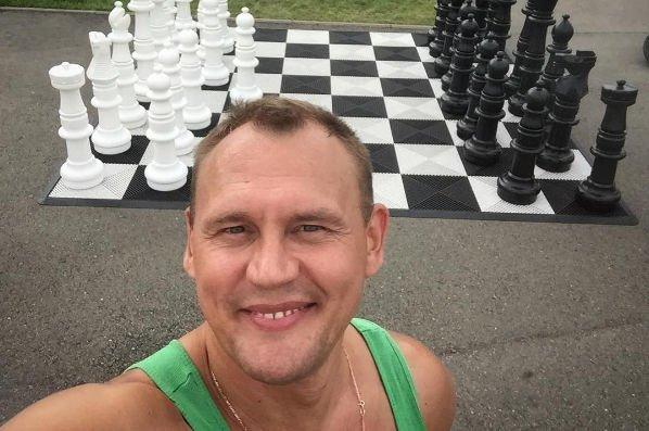 Степан Меньщиков готов любить и дальше неродного сына