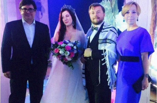 Леонид Парфенов скоро будет нянчить первого внука