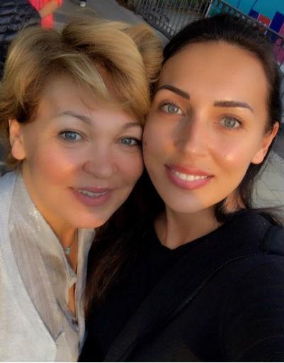 Пугачева, Ковальчук, Гобозова о самом главном: звезды обратились к матерям