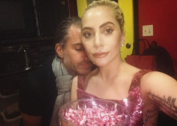Леди Гага ответила согласием на предложение руки и сердца