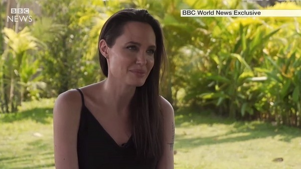 СМИ сообщили о свадьбе Анджелины Джоли