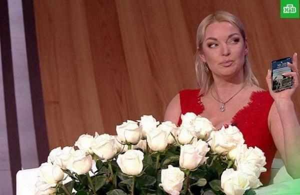 """Анастасия Волочкова пообещала опубликовать секс-видео, где облизывают её """"цветок"""""""