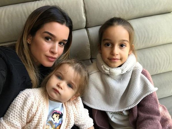 Ксения Бородина поведала о том, какие отношения у дочерей между собой